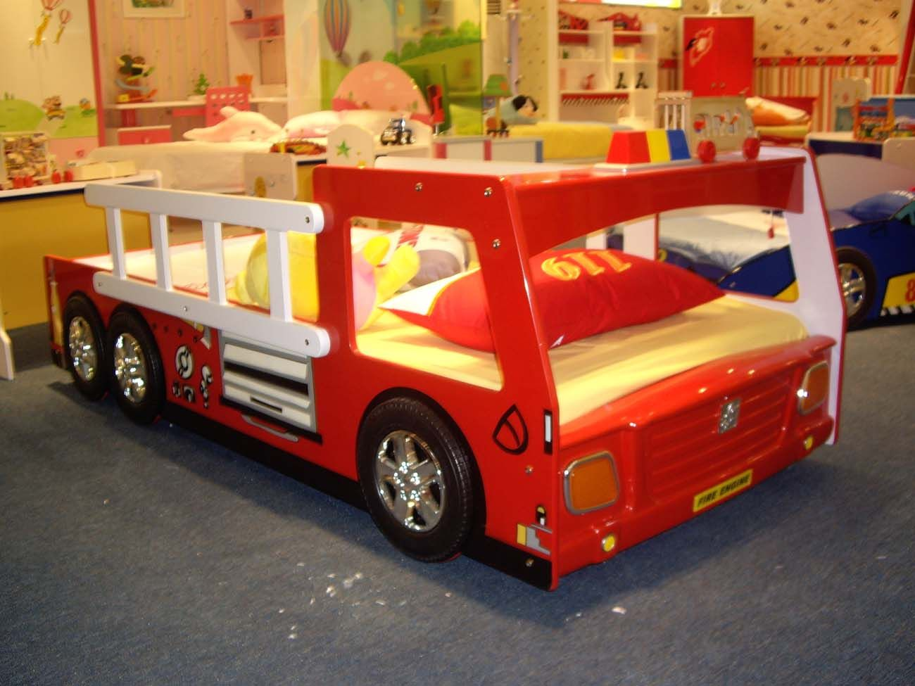 Bedroom designs for kids boys - Bedroom Design Amazing Kids Bed With Racing Cars Models And Other Vehicles Boys Fire