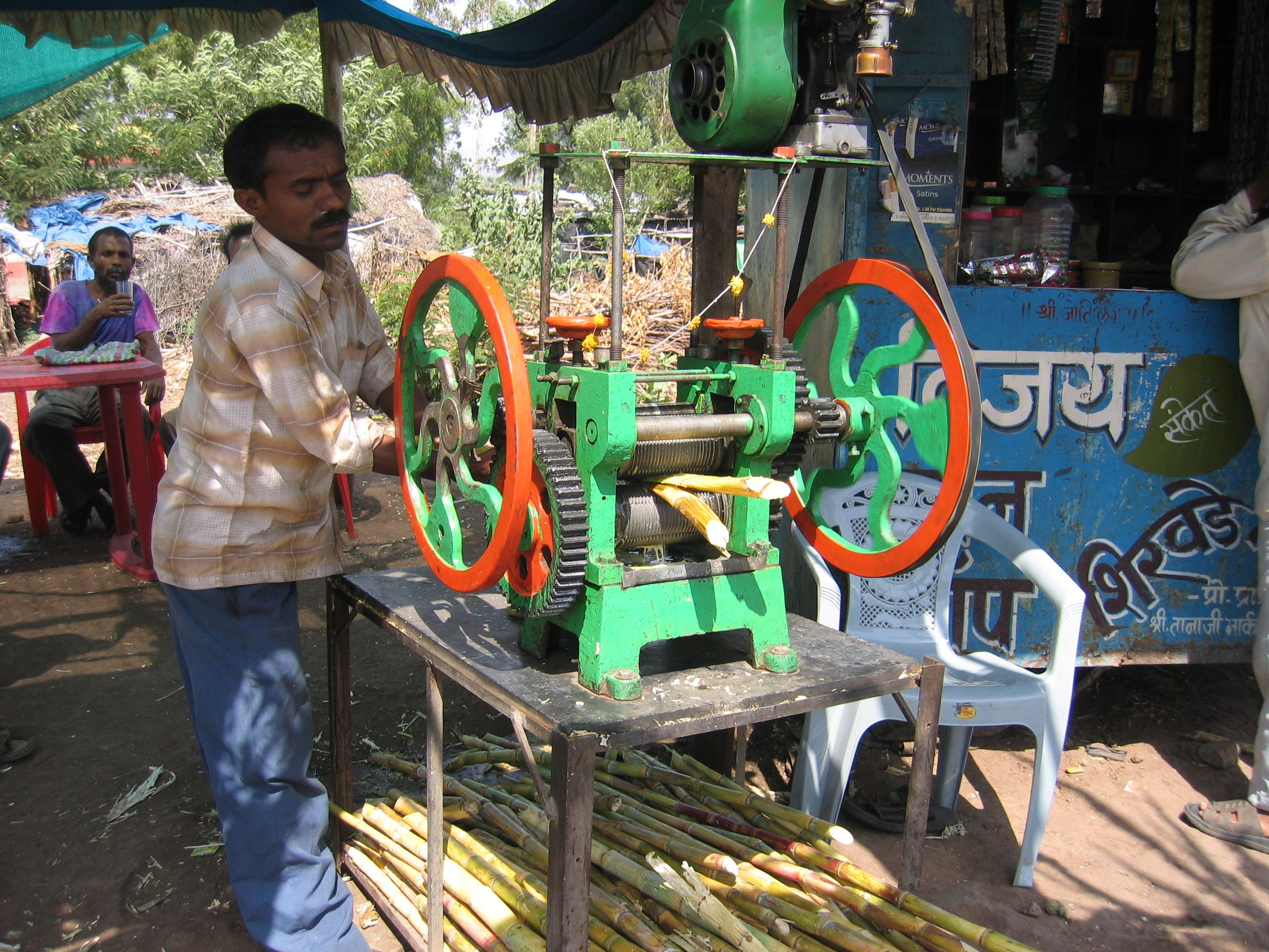 India, Sugar cane press