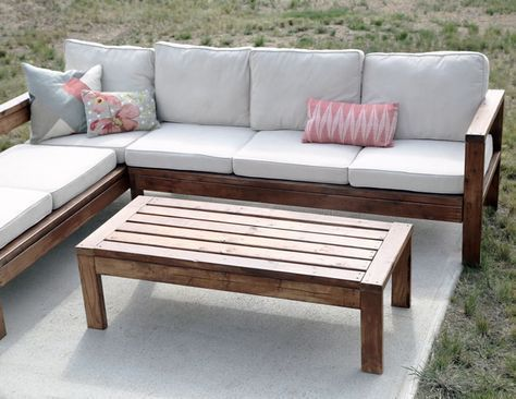 2x4 Outdoor Coffee Table