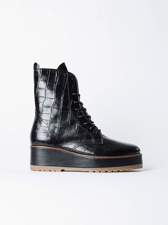 APLACE Rugged Boot Croco Black Reschia | Boots, Mode, Damast