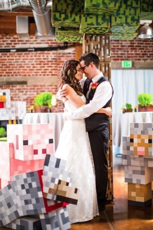 Minecraft Themed Wedding Such A Neat Idea And Makes For Some