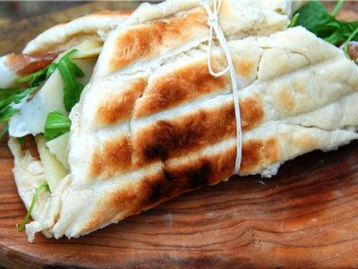 CCDRD222_grilled-foccacia-sandwich_s4x3