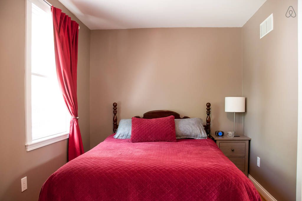 Carriage house in the highlands vacation rental in