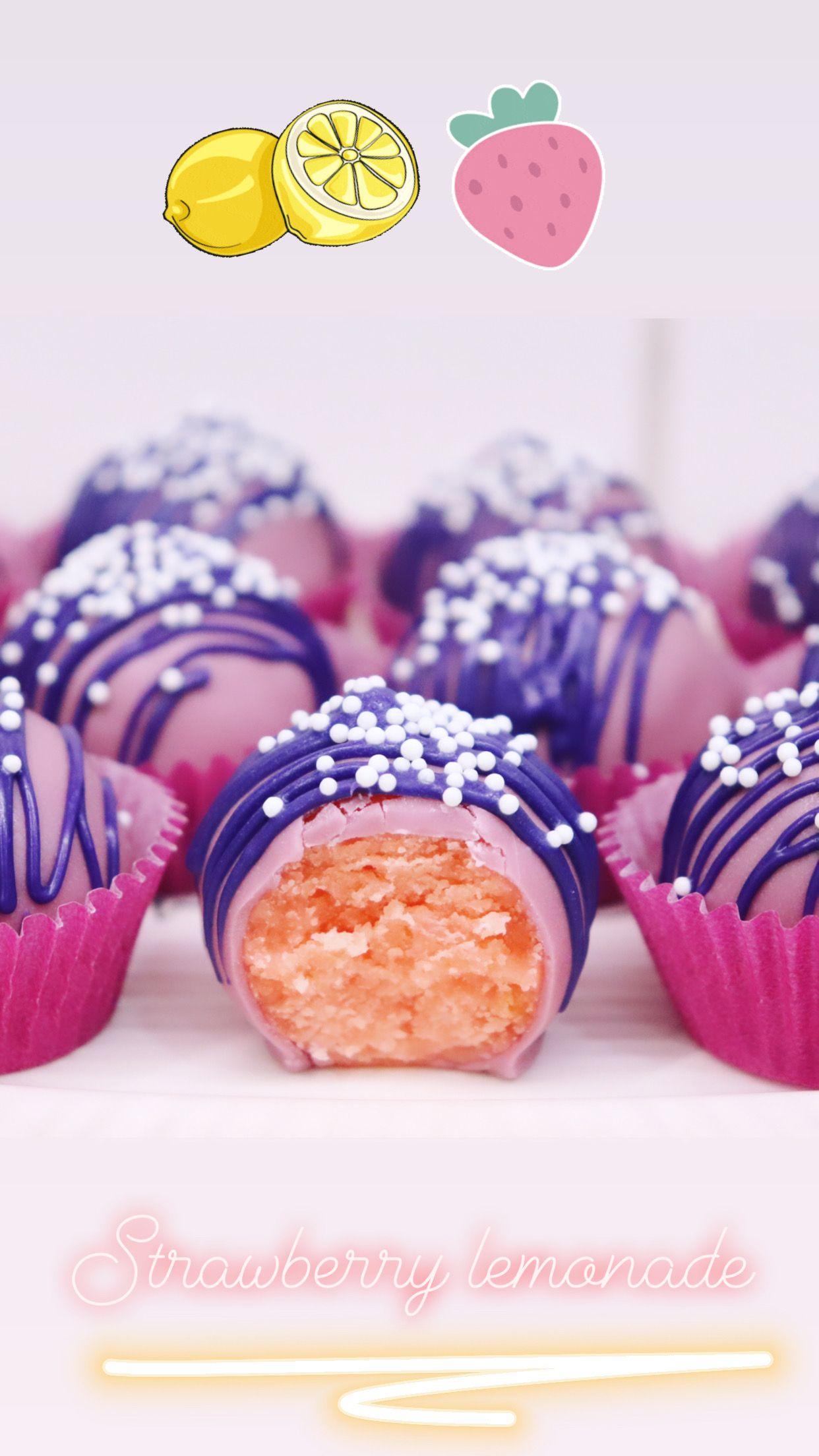 Delicious strawberry lemonade inspired cake ballspops