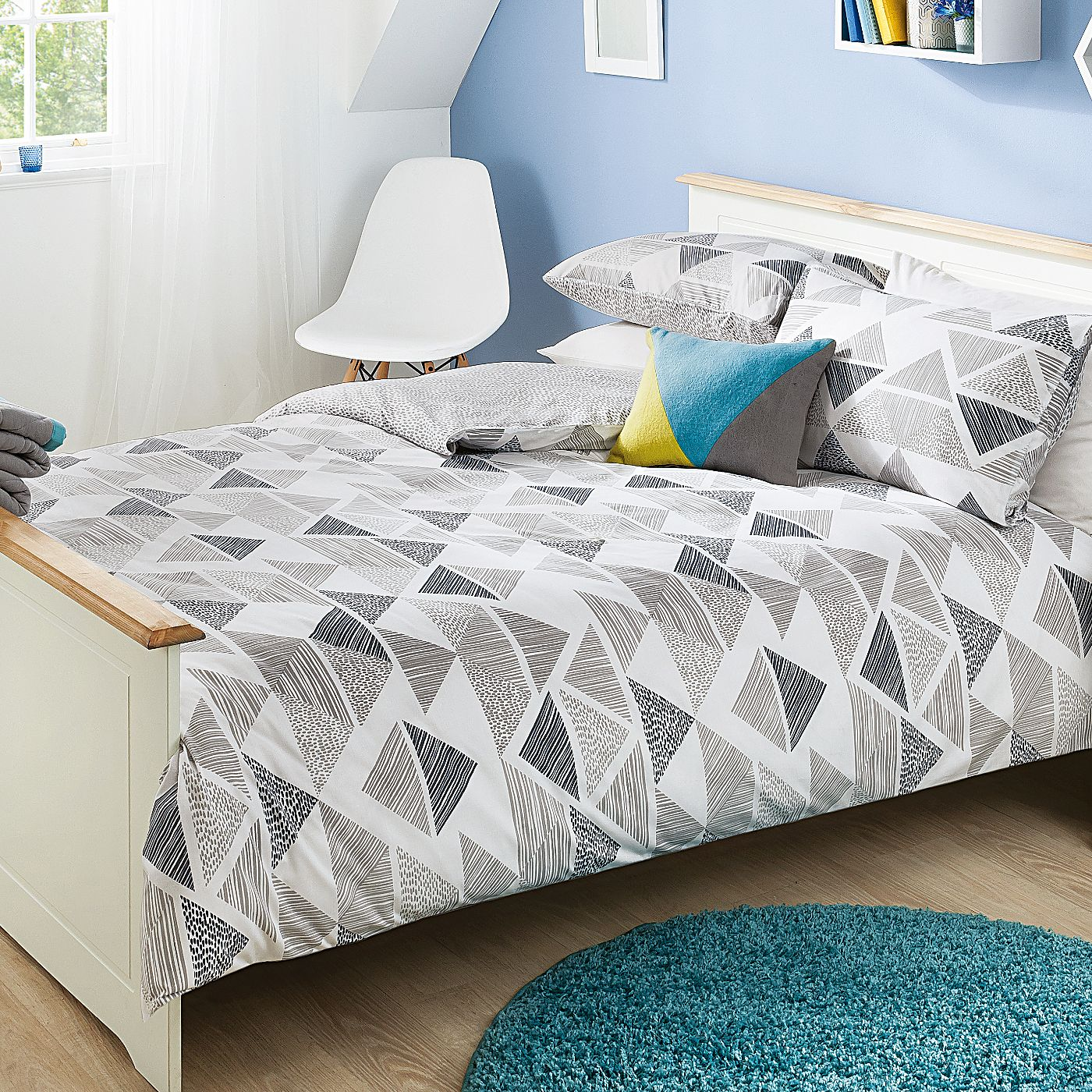 George Home Trace Geo Triangle Duvet Set