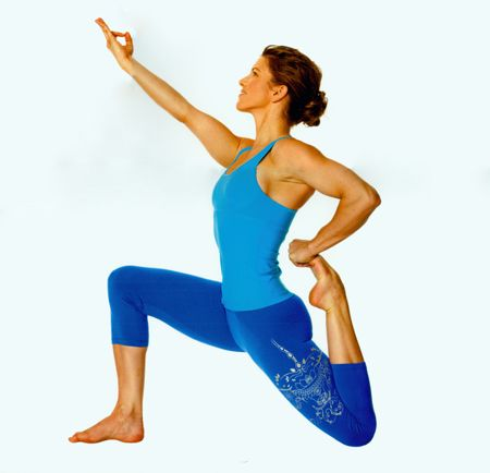 anjaneasana low lunge variation in the pose alexandria