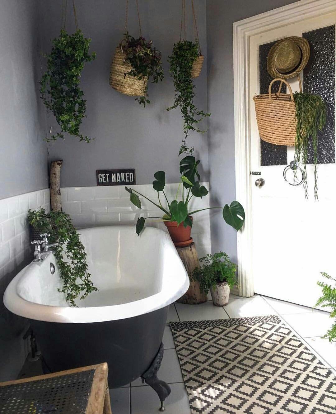 Pin by Aleshia Sbragia on House   Cozy bathroom, Bathroom ...