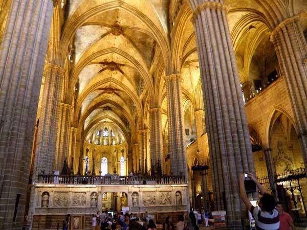 Catedral De Barcelona Vista Interior Church Gothic Architecture Cathedral