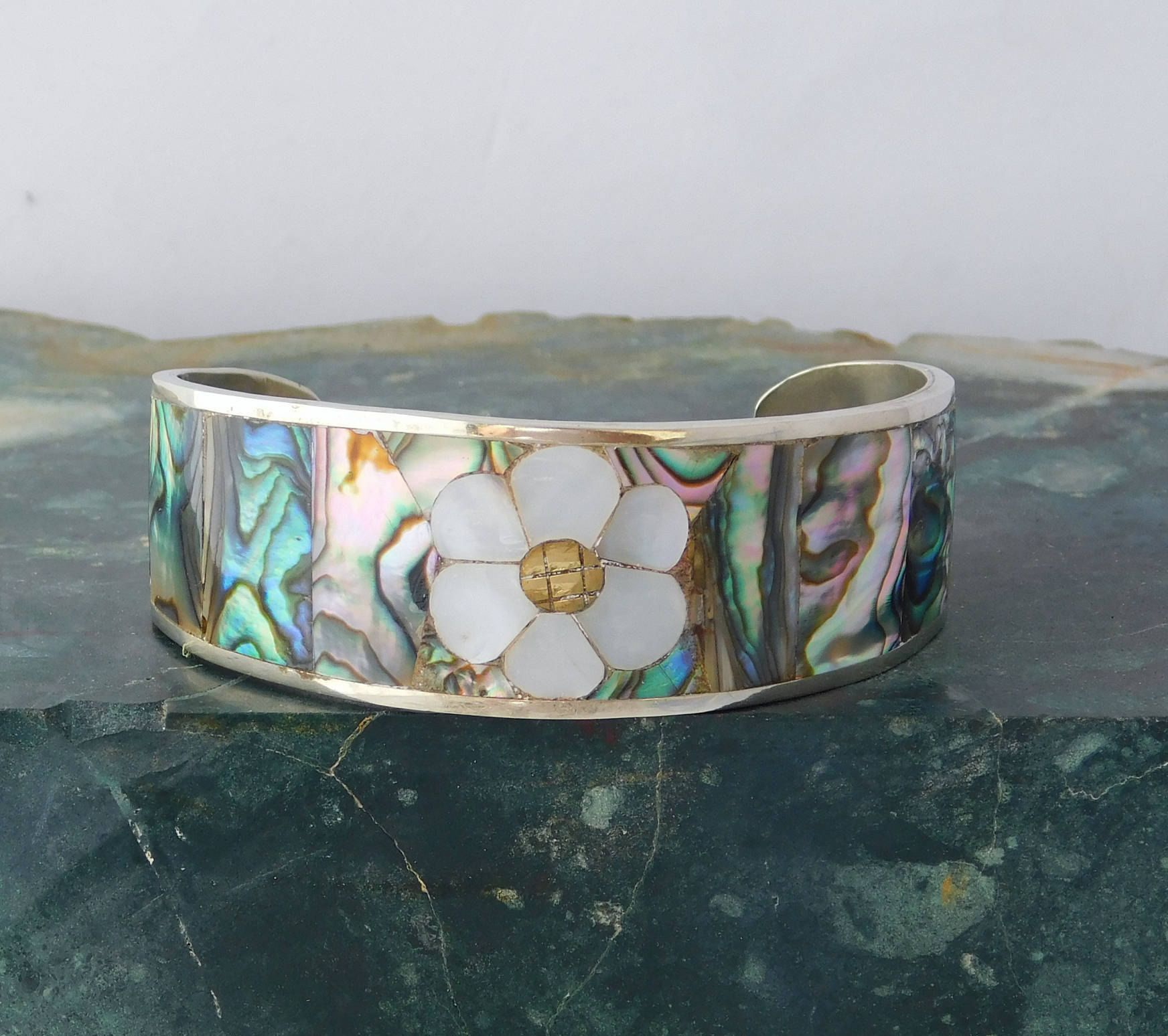 Vintage Sterling Hencho en Mexico Mother of Pearl Abalone Cuff Bracelet