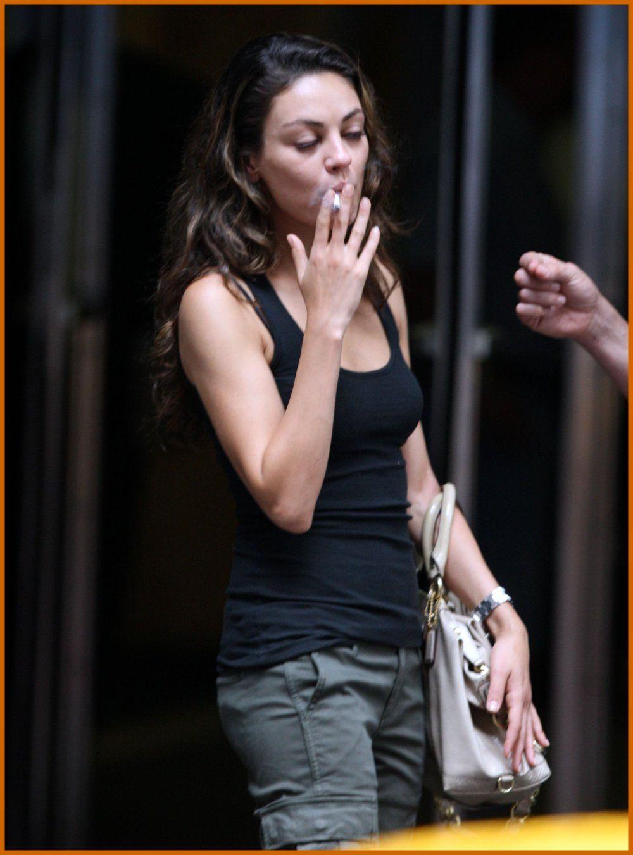 Smoking mila kunis Mila Kunis