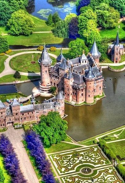 Dutch Castle Utrecht Netherlands Travel Inspiration And Places To Visit Travel Burgen Und Schlosser Schone Gebaude Burg