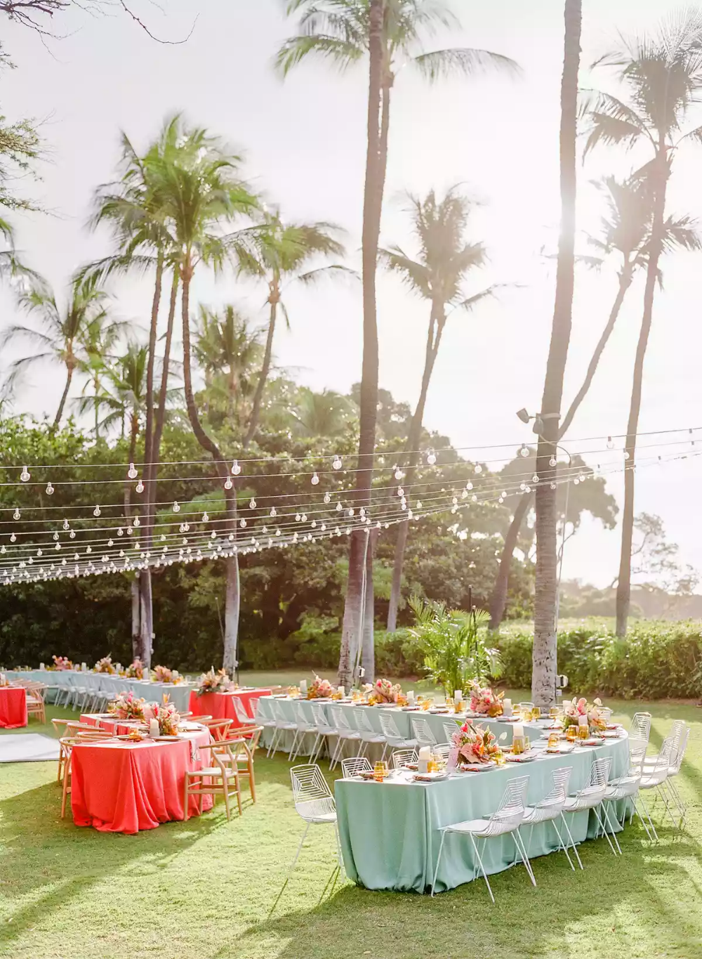 A Tropical Wedding In Hawaii With A Surprise Family Only Elopement In 2020 Hawaii Wedding Hawaiian Wedding Wedding Dinner Decor