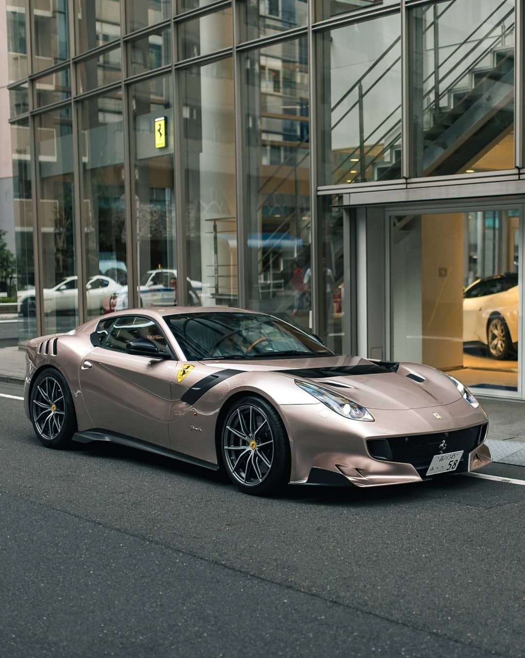 Ferrari F12tdf Wears Lamborghini S Bronzo Masaru Paintjob With Gusto Carscoops In 2020 Top Luxury Cars Ferrari Ferrari Mondial