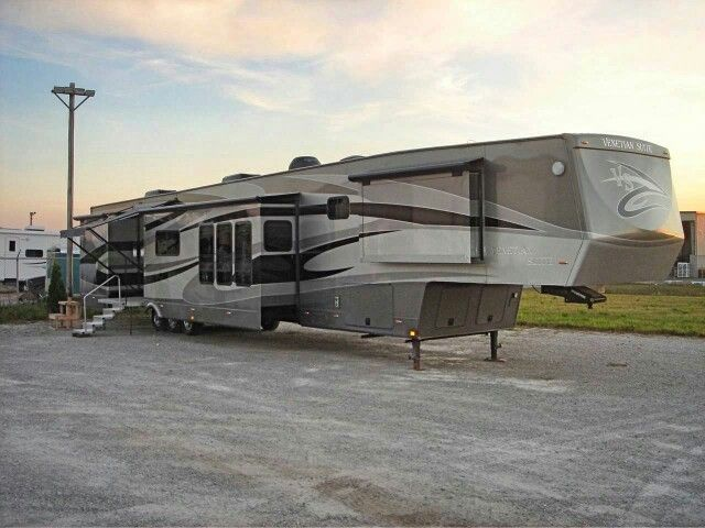 Here S What Appears To Be A Mile Long Fifth Wheel By Folks Rv