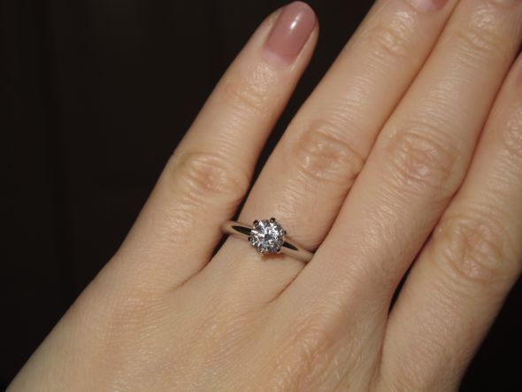 Anyone Have A Round Tiffany Solitaire Or One Similar Between 75 1 Carat Tiffany Solitaire Tiffany Engagement Ring 1 Carat Engagement Rings