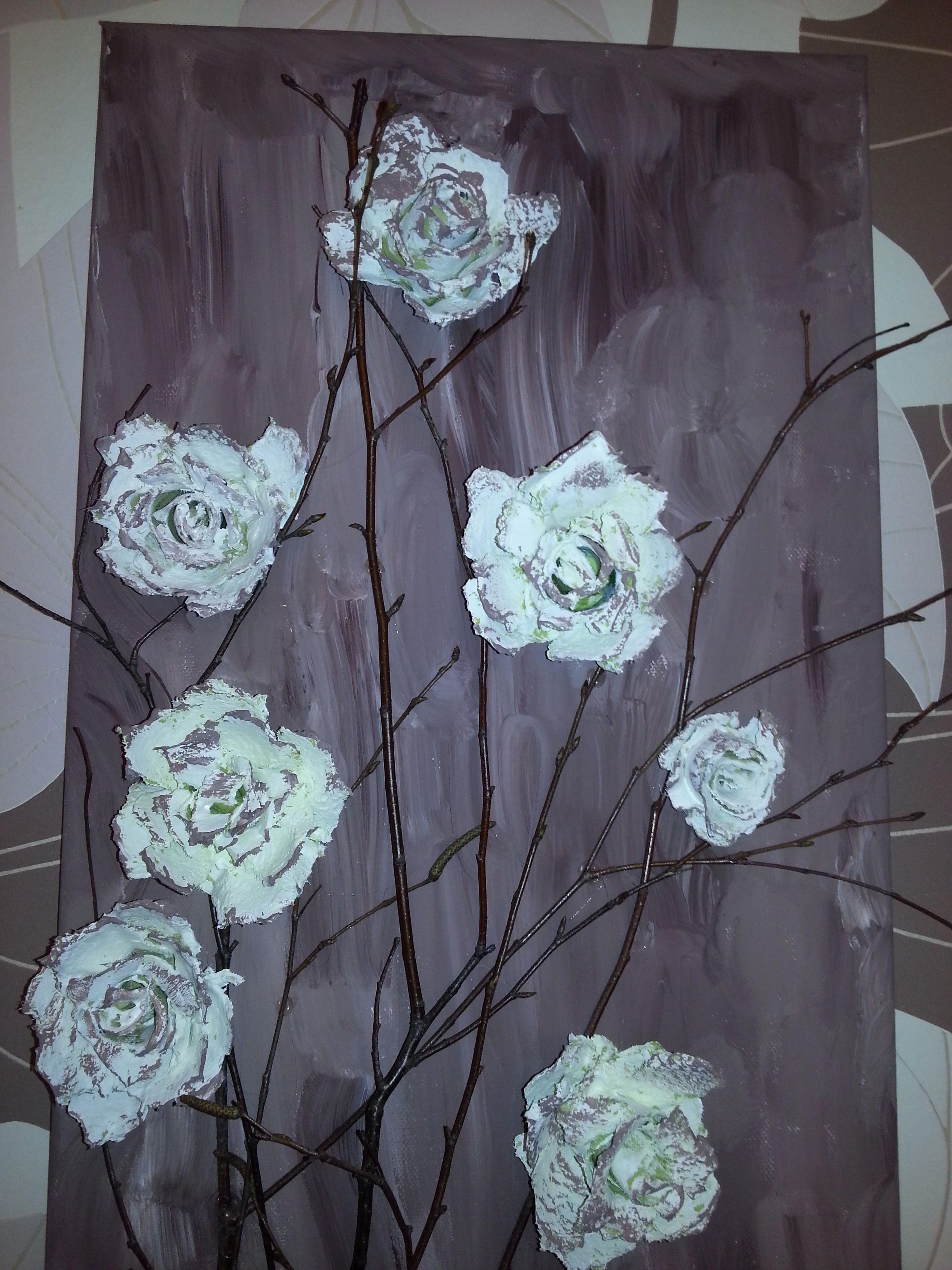 ein bild mit rosen aus eierkartons meine hobbys. Black Bedroom Furniture Sets. Home Design Ideas