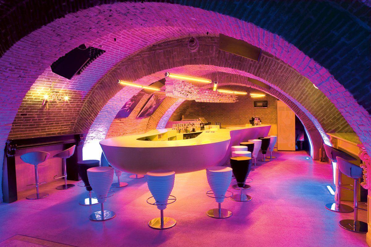 Romantic evolution bar by sebastian barlica photo romantic evolution bar by sebastian barlica close up view