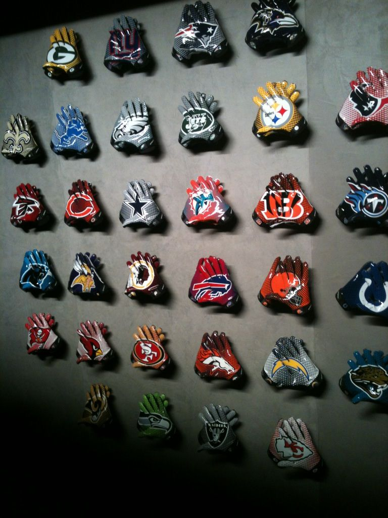 Yes. NFL Gloves from Nike. Fantastic that they used a