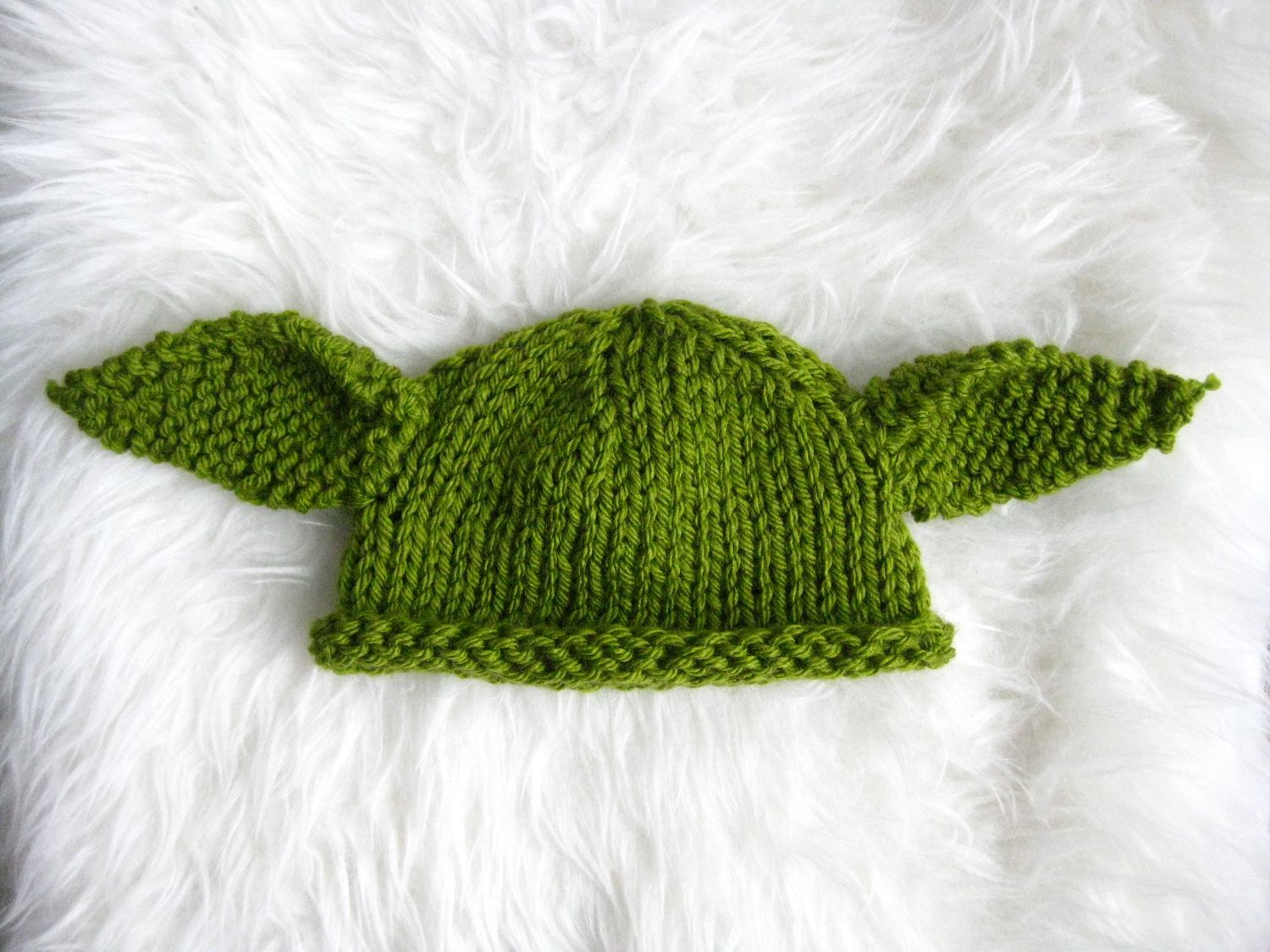 Baby Yoda Knit Hat (with Free Pattern)