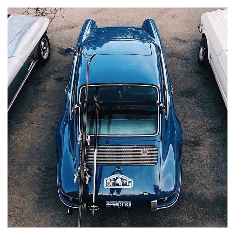 L'image contient peutêtre voiture et plein air