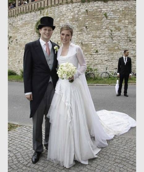 Adelshochzeit In Potsdam Papstlicher Segen Fur Das Kaiserliche Paar Konigliche Hochzeitskleider Royale Hochzeiten Hochzeit