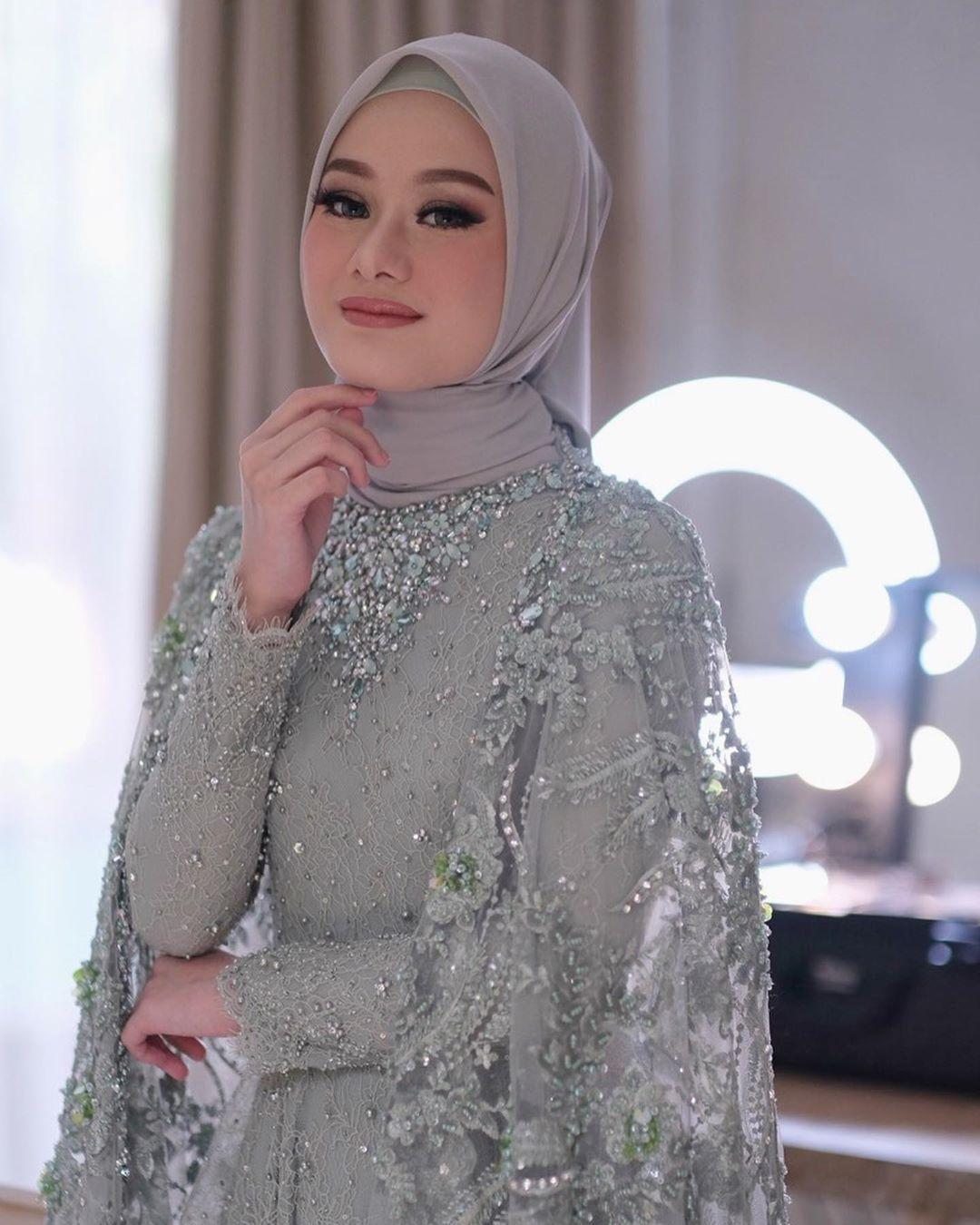 Tampilan Lamaran Dinda Hauw Dihari Lamarannya Pengantin Wanita Wanita Gaya Pengantin