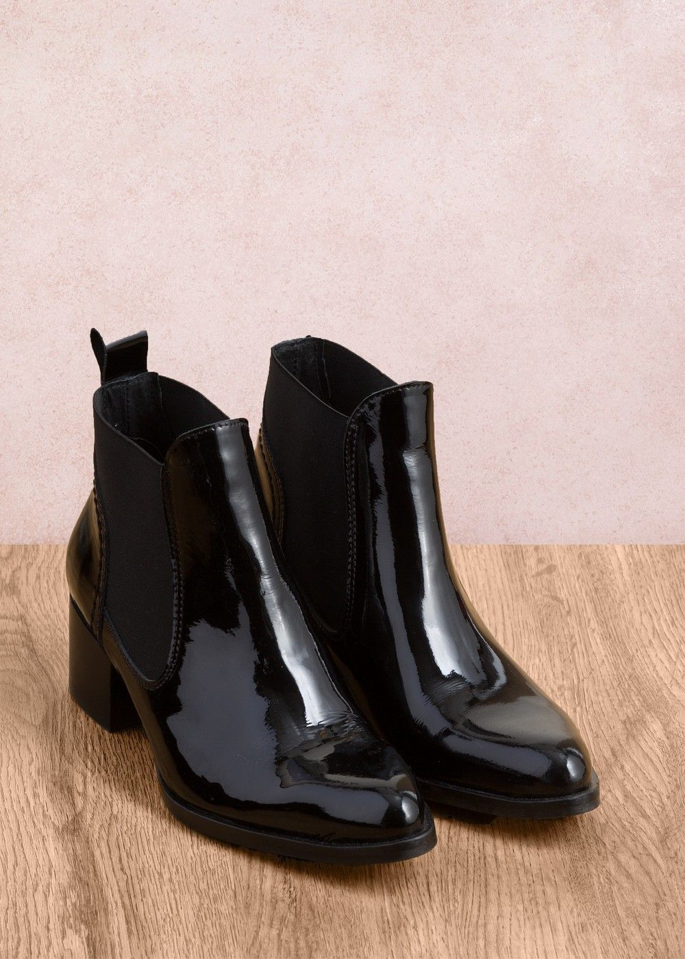 3cc0002543f Boots vernies Noir - chaussure Femme - La Fée Maraboutée