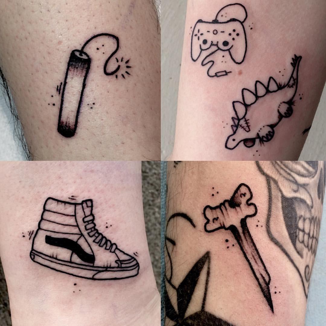 ⚡️Flash Me⚡️ - #tattoo #tatouage #tattooflash #flash #blackwork #blacktattoo #geek #vans #vanssk8hi #bone #dinosaur #puppet #cute #tnt #playstation #dualshock #remote #cuties #bomb #boom #dynamite #mudtattoo #labarbetattoo #nantes #stayawake (à MUD...