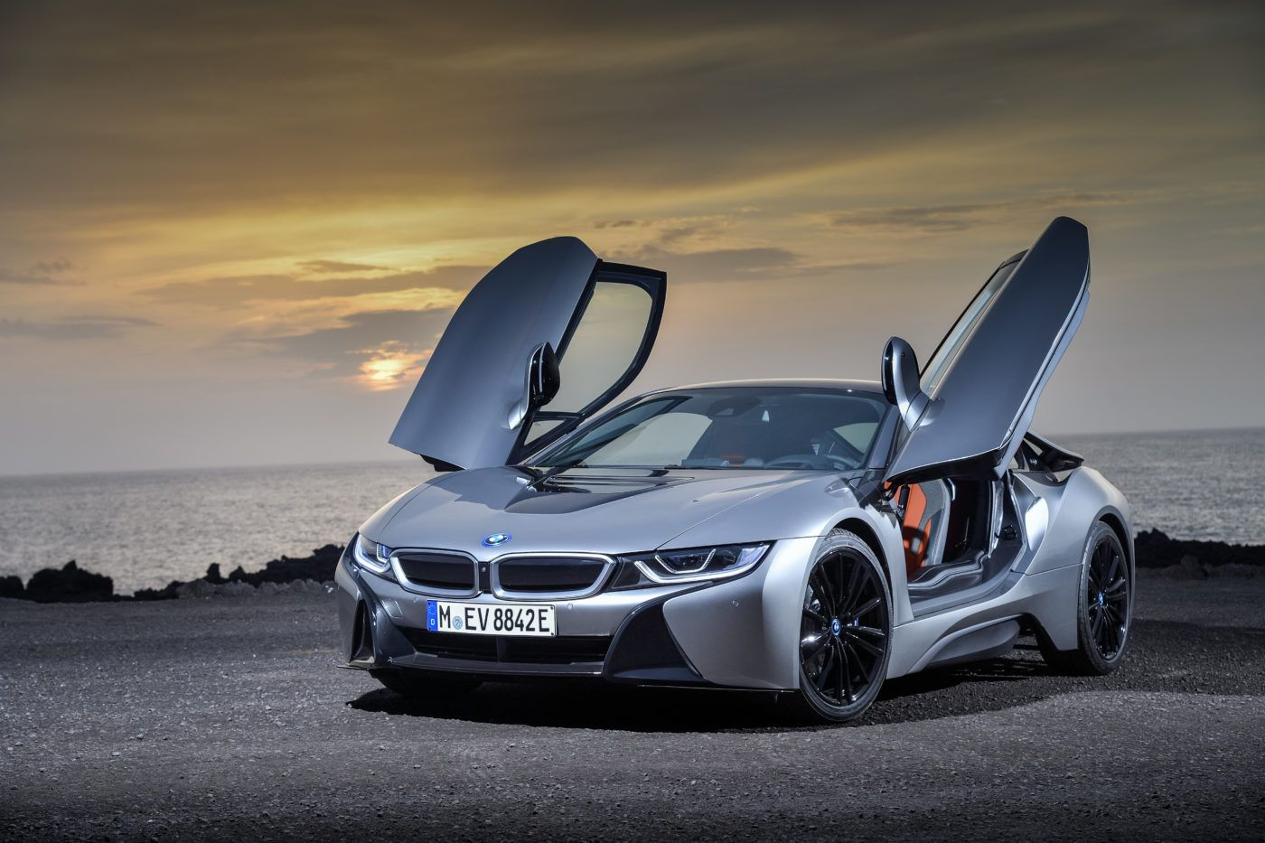 New 2019 Bmw I8 Roadster And Coupe Revealed With Images Bmw