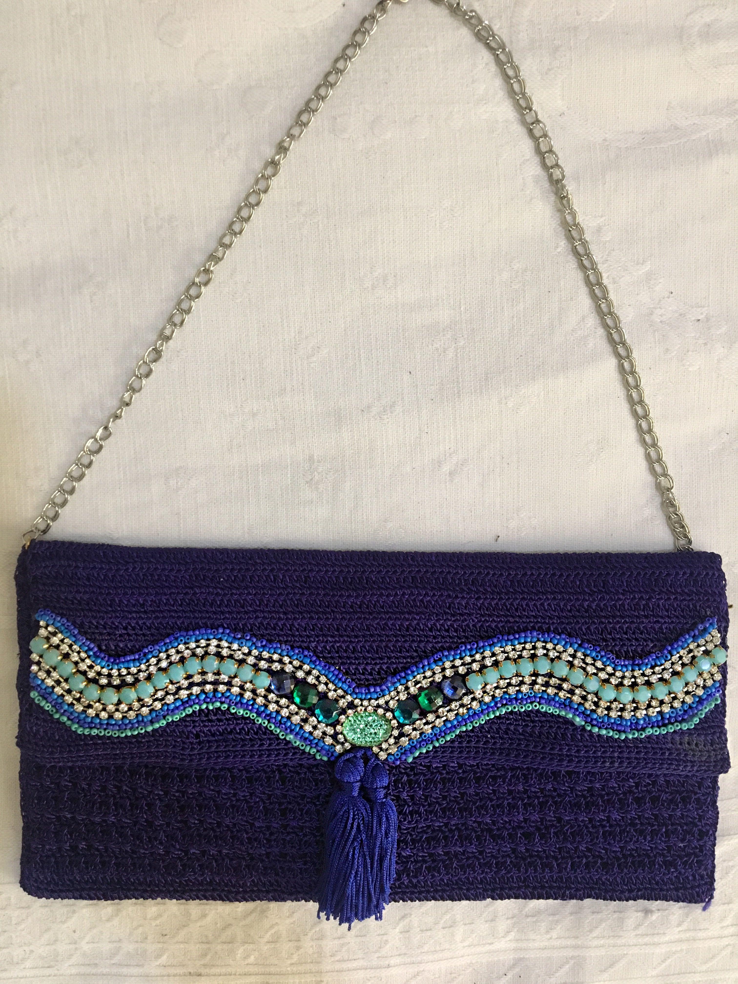 Bolsa de linha de seda azul bordada