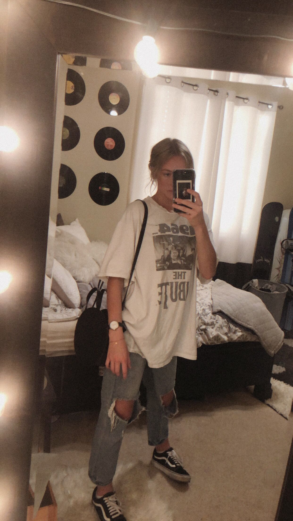 Band Tee Outfit Quelle von natalyelise7 #Band #Mode Idee für die Schule #Outfit …