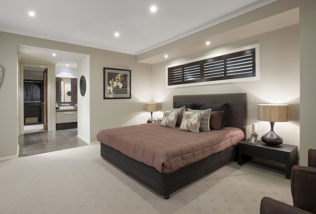 Best Bulkhead Window Above Bed Master Bedroom Interior 640 x 480