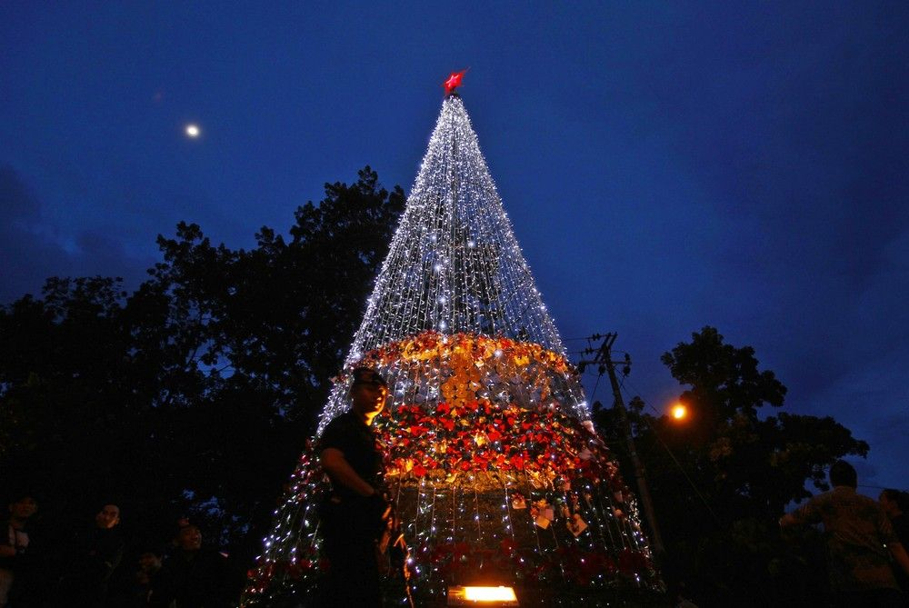 Indonesia has increased security for Christmas and New Year holidays with hundreds attend ...