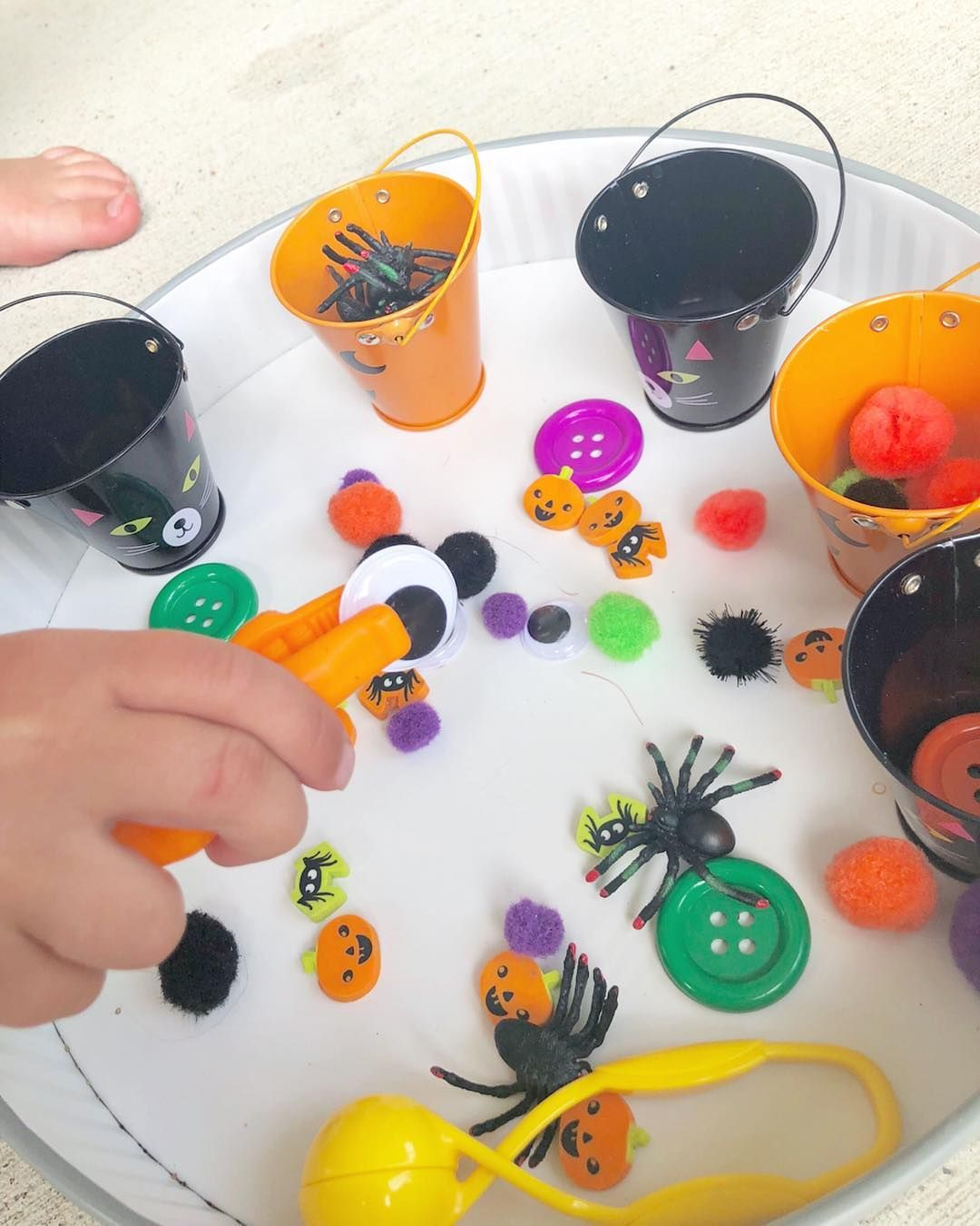Halloween Fine Motor Tray This Halloween Themed Sorting