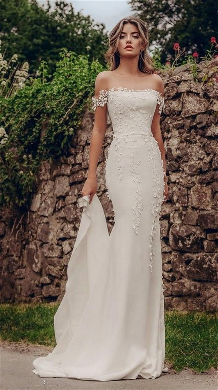 65 Gorgeous And Charming Fall Winter Wedding Dresses You Would Love To Have Women Fashion Lifestyle Blog Shinecoco Com Wedding Dresses Best Wedding Dresses Beautiful Wedding Dresses [ 1338 x 750 Pixel ]