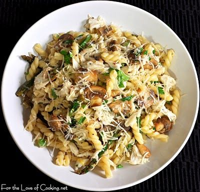 Gemelli with lump #crab, mushrooms and asparagus in a lemon butter sauce. Yum! #COS #recipe