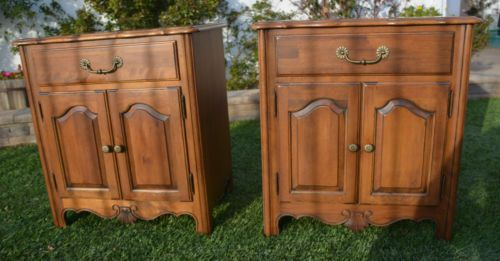 Pair Ethan Allen Country French Nightstand Side Table 26 5226 Bordeaux 216