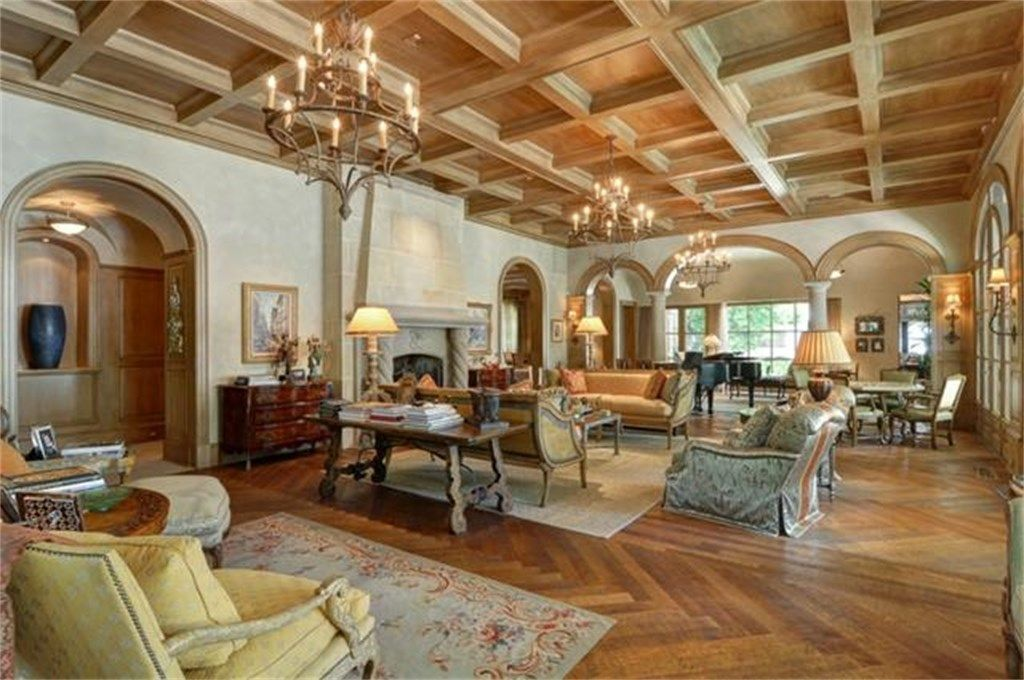 Interior Of Luxury Home In Highland Park, Texas