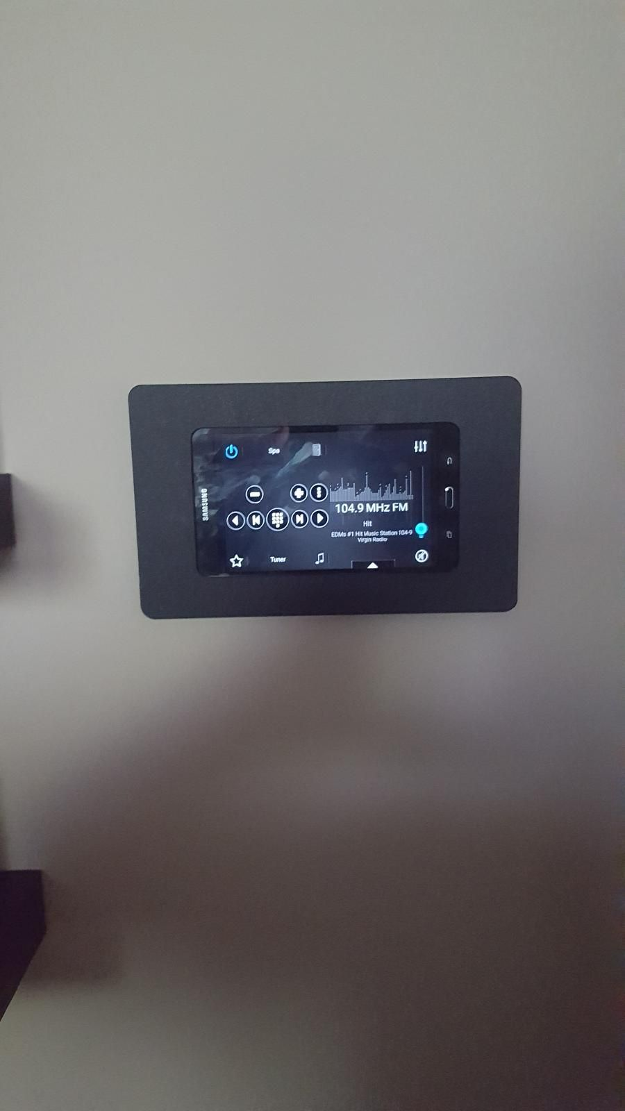 Android Especially Samsung Galaxy Tabs Make For Great Smarthome Controller Use Them With Vidamounts For A Great Home Automation Android Tablets Tablet Mount