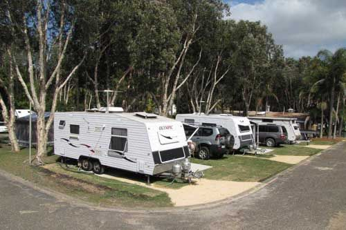 Powered caravan sites at BIG4 Bonny Hills Holiday Park. 3 bedroom family suite beach & Powered caravan sites at BIG4 Bonny Hills Holiday Park. 3 bedroom ...