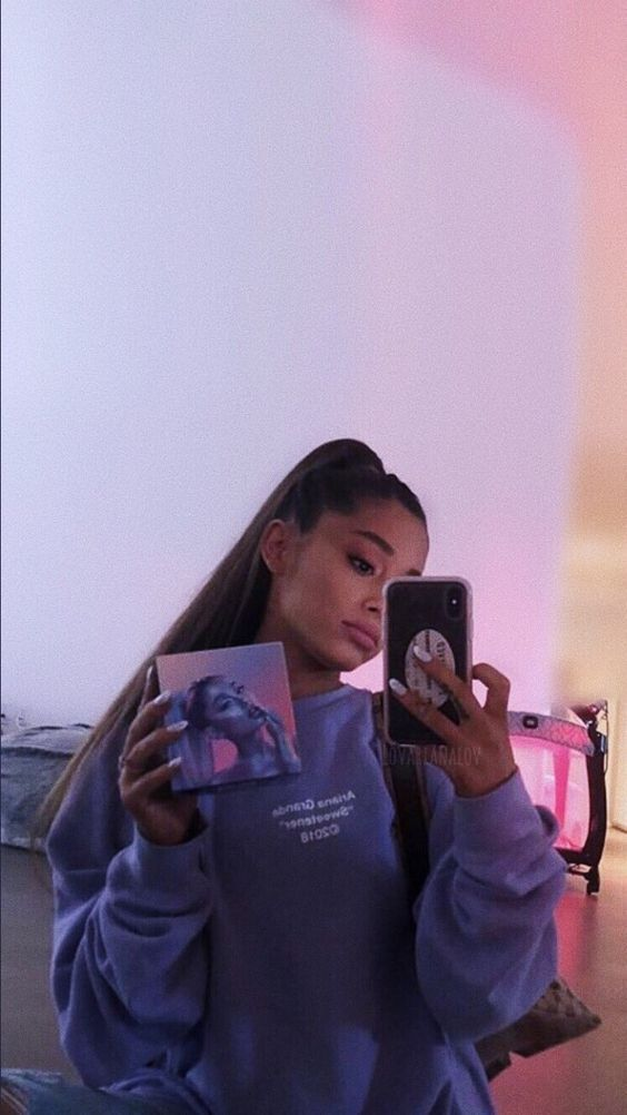 ariana grande style hair outfit feminist icon queen quotes
