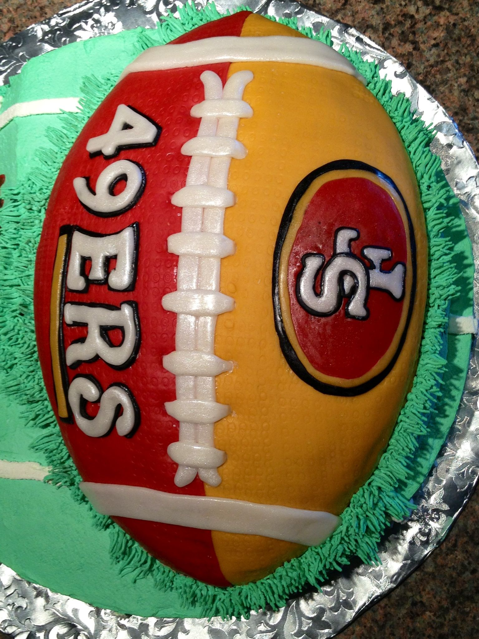 Pin By Araceli Aguirre On Father S Day Or Grooms Cake 49ers Cake Superbowl Cake Nfl Cake