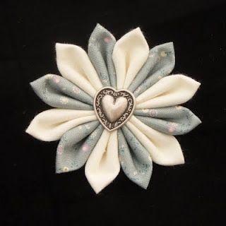 Fiori Kanzashi Tutorial.Handmade Kanzashi Fabric Flower Tutorial Tutorial Per Creare