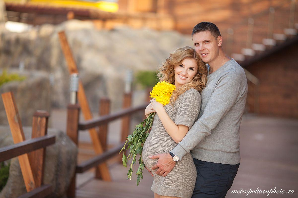 Картинки по запросу фотосессия беременных с мужем осенью ...