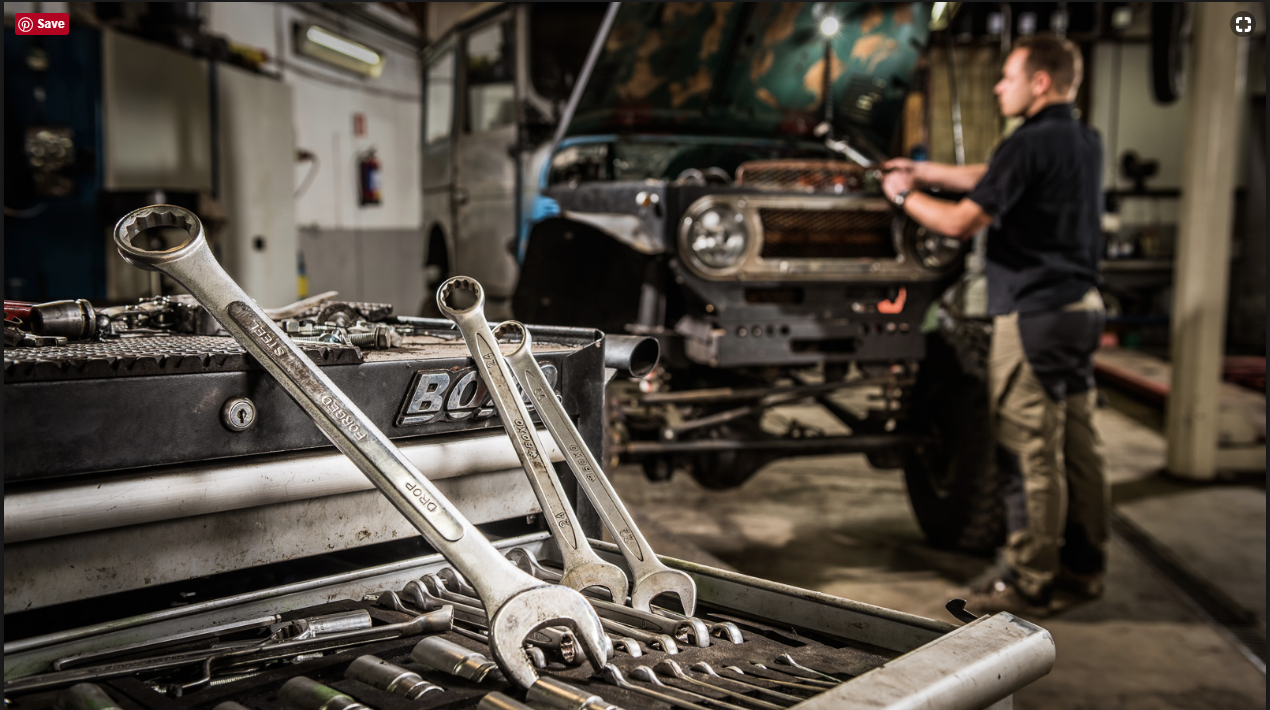 Off Distant Photo Really Nice Repair Mechanic Shop Auto Repair