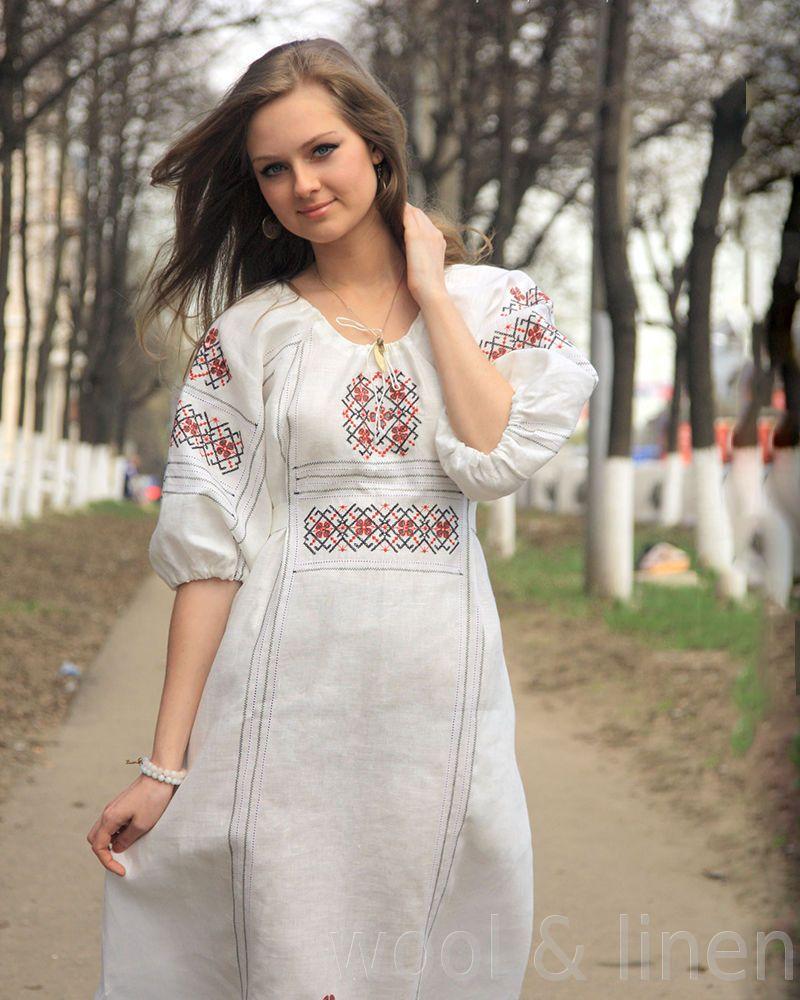 Современная платье в славянском стиле