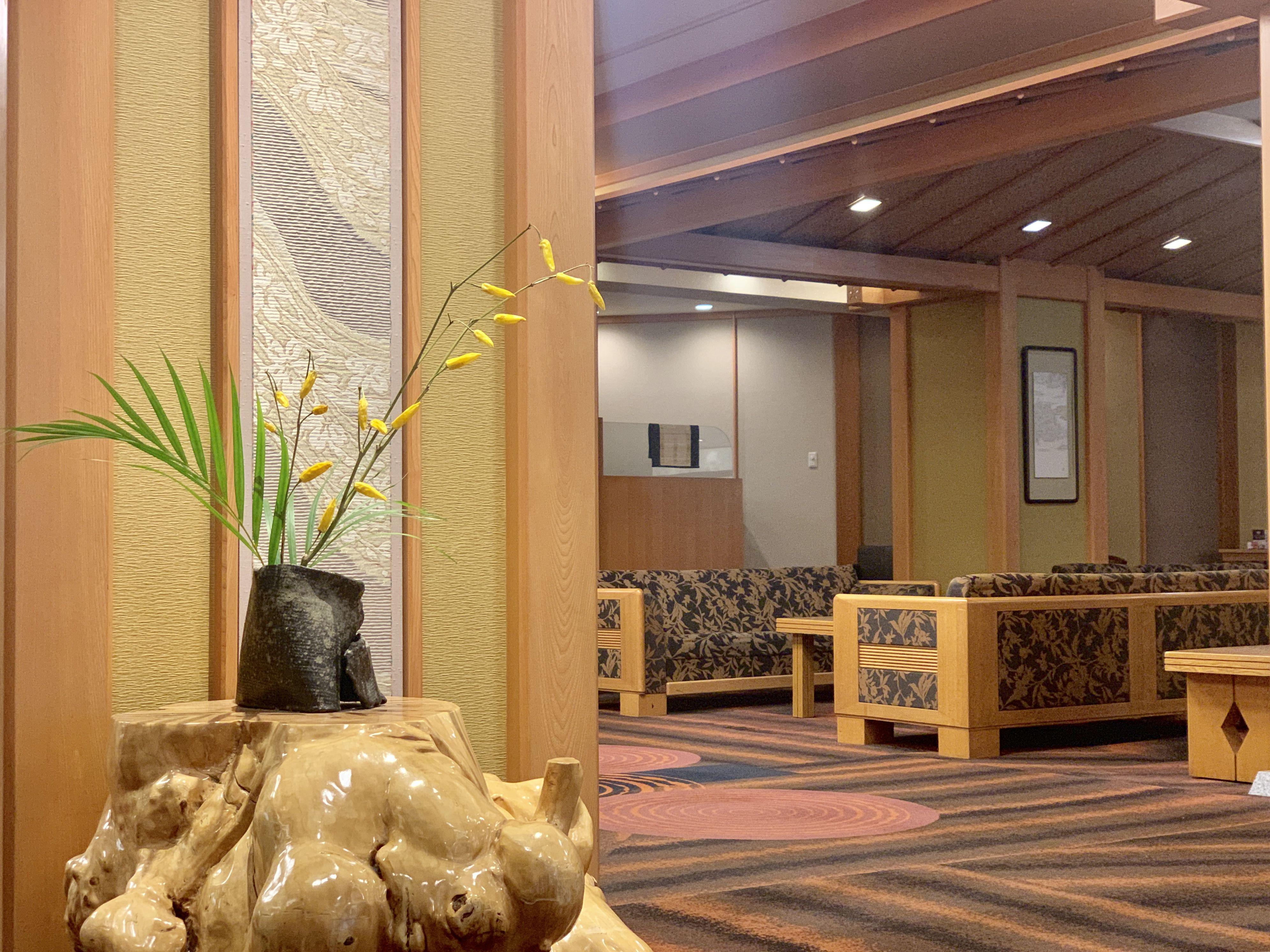 ロビーの生け花 2019 9 20 雅 旅館 道東