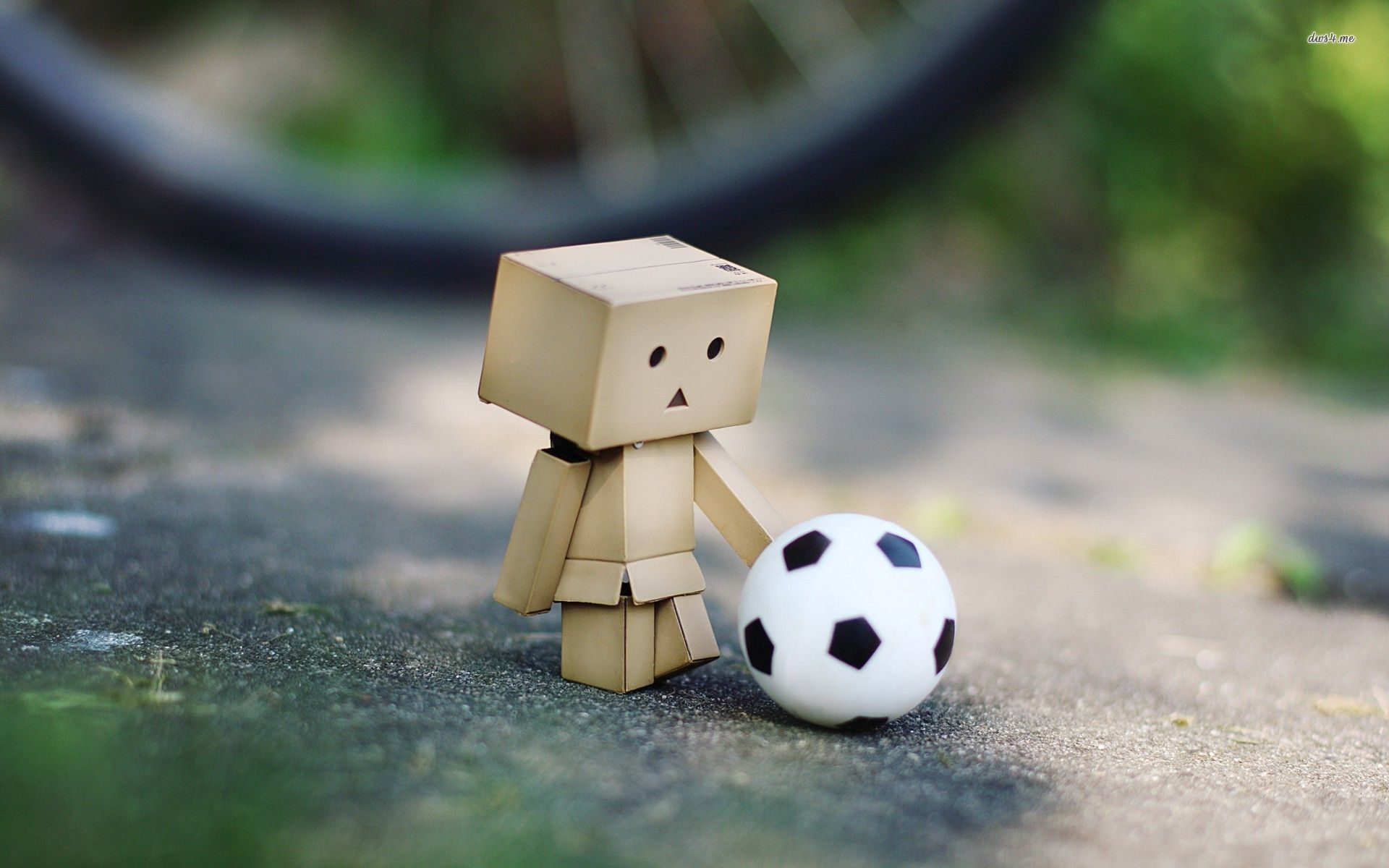 Football In The Rain Wallpaper Other Health Questions Pictures Fotos Danbo Rain Wallpapers Football Wallpaper