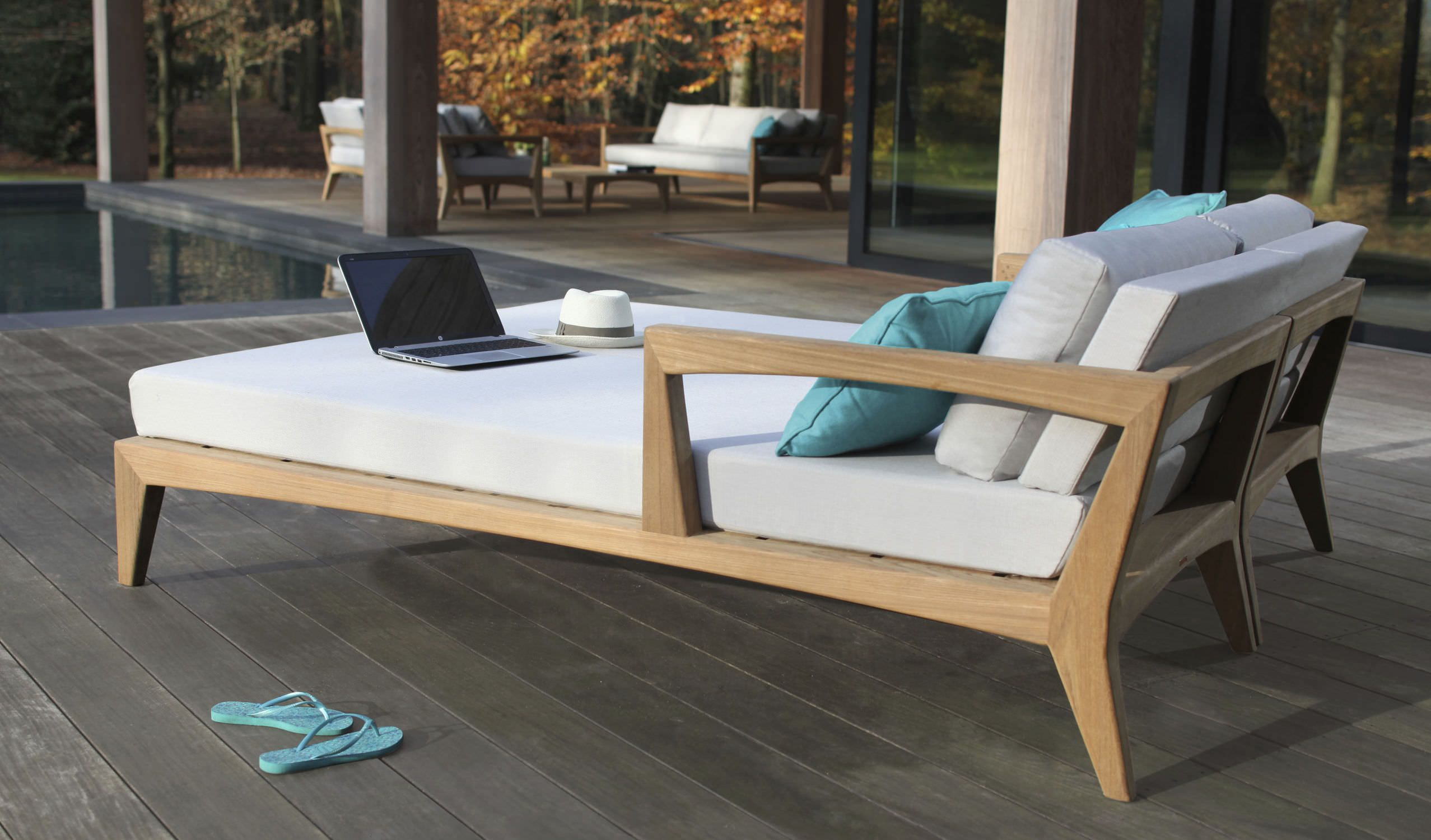 m ridienne contemporaine en teck de jardin zntl db by kris van puyvelde royal botania. Black Bedroom Furniture Sets. Home Design Ideas