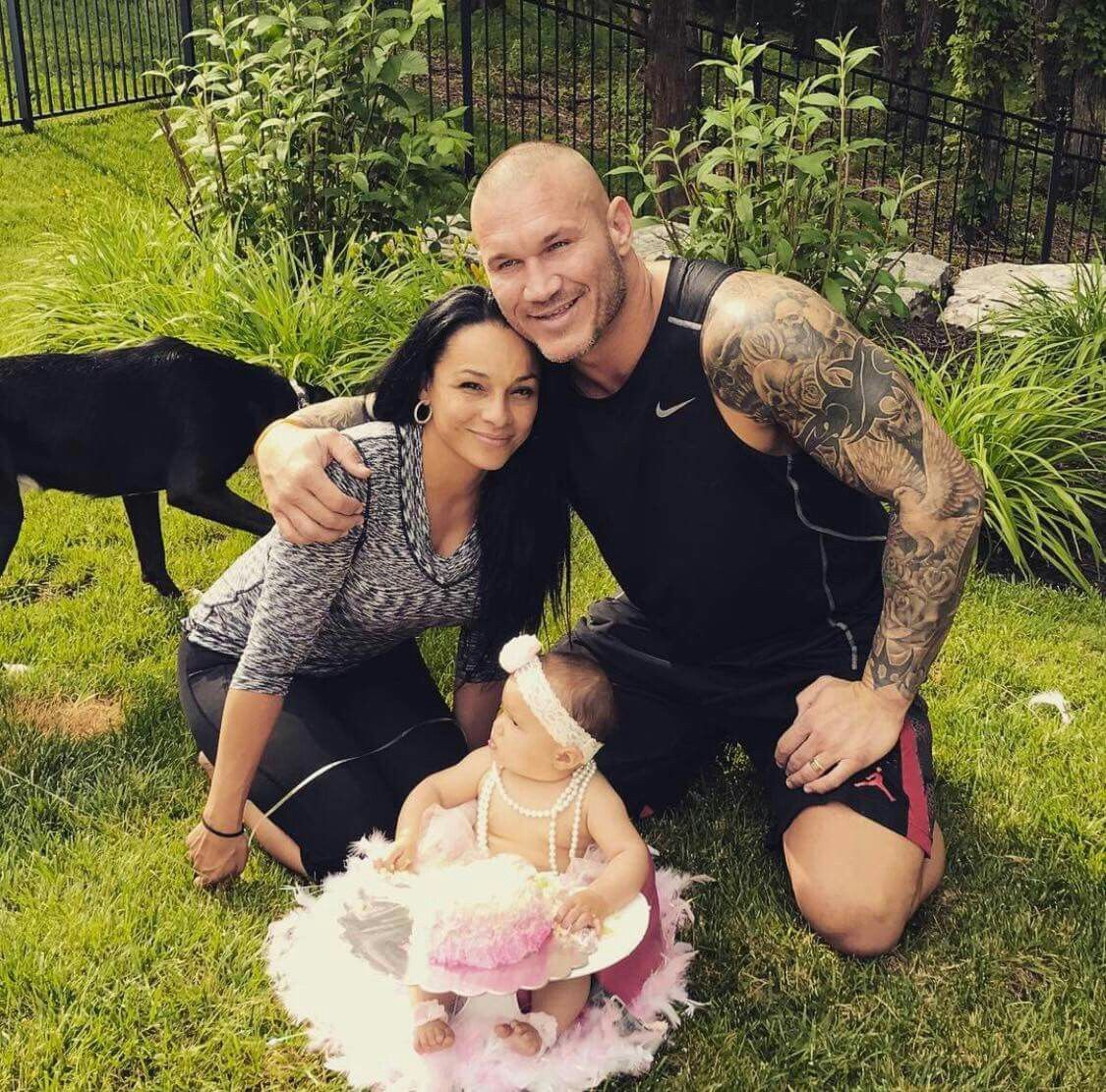 Randy Orton with his wife Kim & their daughter Brooklyn ...